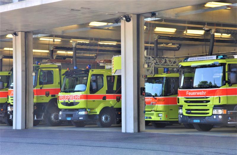 Rettungsfahrzeuge mit automatischer Abkopplung Schutz und Intervention Winterthur
