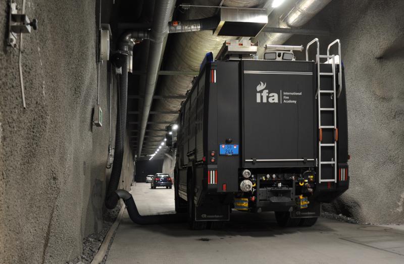 Tanklöschfahrzeuge in Ausbildungsstätte IFA Lungern