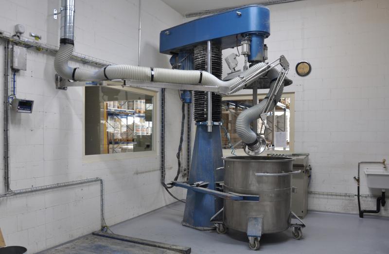 Lösungsmitteldämpfe-Staub Gemisch MC-Bauchemie AG